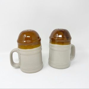 Vintage pottery salt and pepper shakers. Set of 2